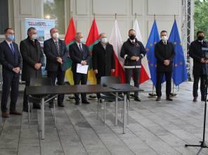 Zdjęcie przedstawia uczestników wydarzenia